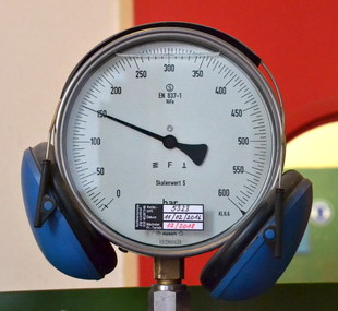 Manometer with Headphones